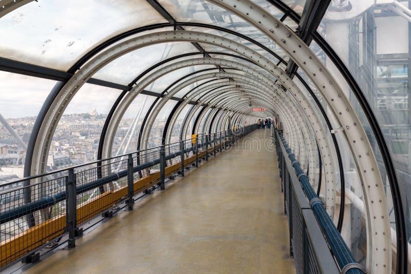 Centre de Pompidou de tube de verre avec la vue aérienne à Paris, France photo libre de droits