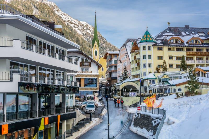 Centre de village dans Ischgl, Autriche photographie stock