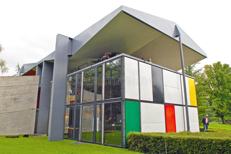 Centre Le Corbusier/Heidi Weber Museum lizenzfreie stockfotografie