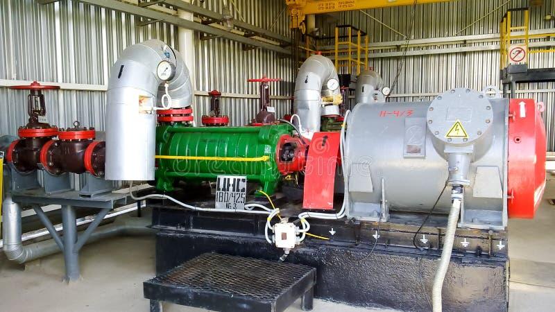 Centrifugal pump för att pumpa olja arkivbild