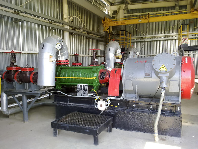 Centrifugal pump för att pumpa olja royaltyfri bild