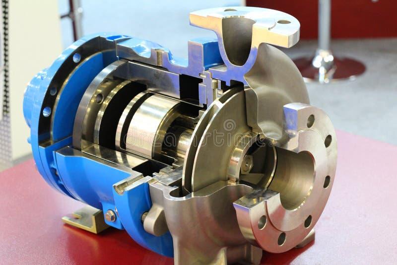 Centrifugal pump med magnetdrev Pumpen visas i avsnitt royaltyfria foton