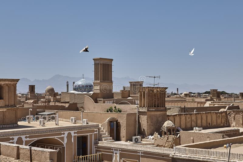 Centro antigo da cidade de Yazd em Irã, arquitetura do tijolo da lama foto de stock