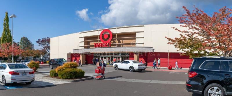 Centro comercial Gate of Marshalls, tiendas departamentales norteamericanas fuera de precio en Oregon, EE.UU. foto de archivo