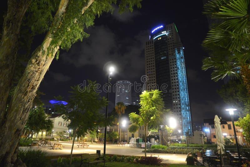 Centro commerciale dell'aria aperta di Sarona a Tel Aviv - Israele fotografia stock