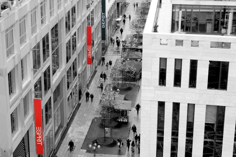 Centro commerciale di Sprit del viale della via di Francoforte fotografia stock libera da diritti