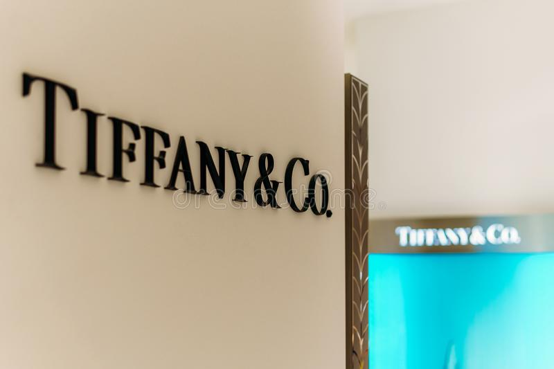 Centro commerciale di Tiffany Jewelry Store In Luxurious che vende i gioielli, la Cina, cristallo, cancelleria e gli accessori pe fotografia stock