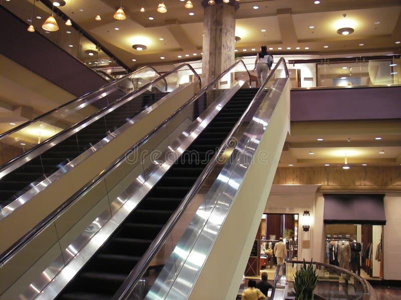 Centro commerciale moderno fotografie stock