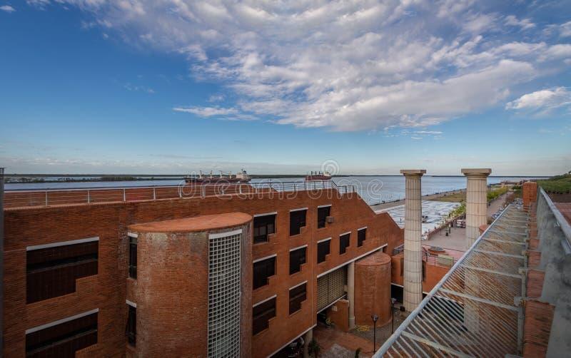 Centro culturale di Parque de Espana Park alla passeggiata del fiume Parana - Rosario, Santa Fe, Argentina fotografia stock libera da diritti