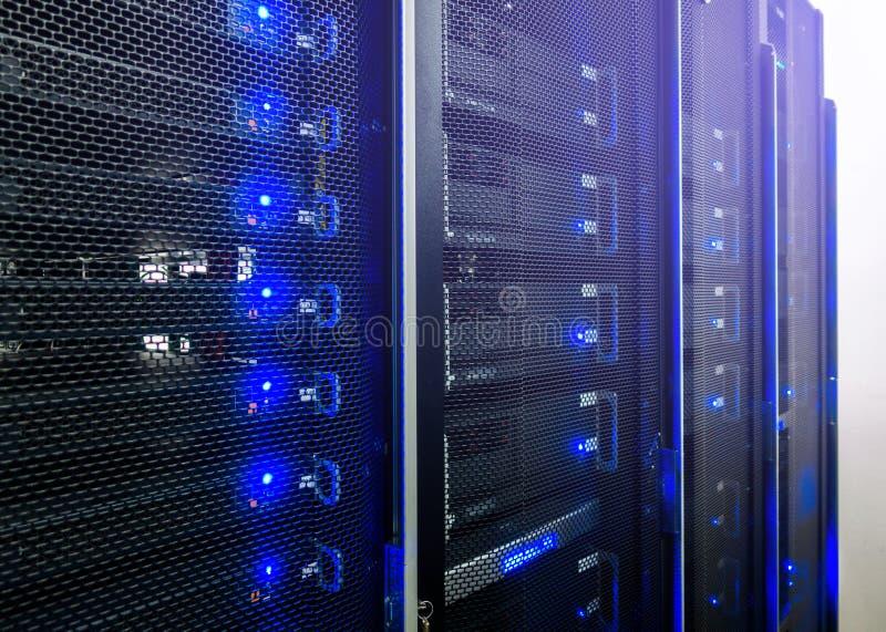 Centro dati, stanza del server immagini stock