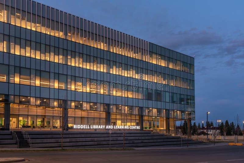 Centro de Biblioteca e Aprendizagem do Riddell, Universidade Real do Monte imagem de stock
