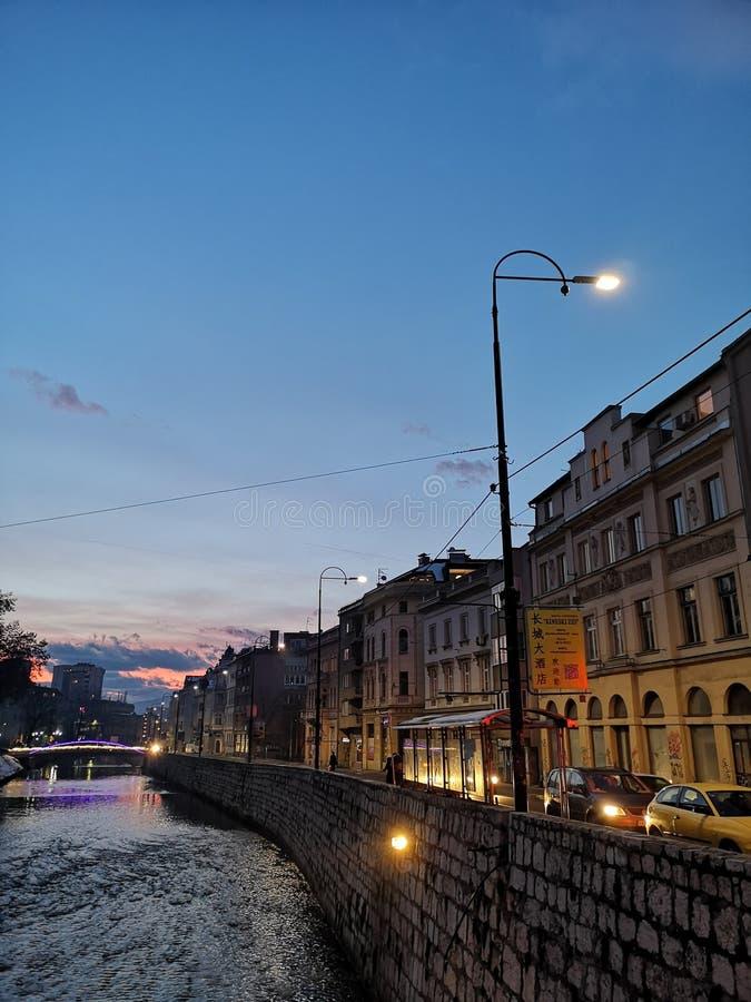 Centro de cidade de Bósnia e de Herzegovina Sarajevo imagem de stock