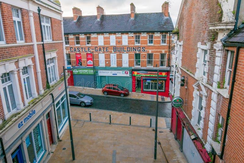 Centro de cidade em Derry, Irlanda do Norte imagem de stock