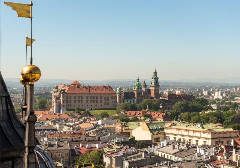 Centro de cidade excitante de Krakow, tiro aéreo foto de stock