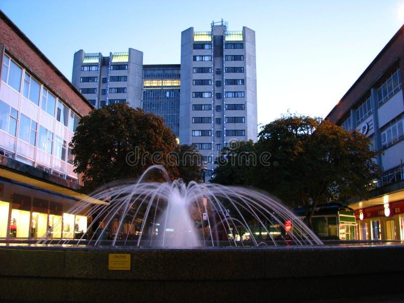 Centro de cidade Inglaterra de Coventry da fonte fotos de stock royalty free