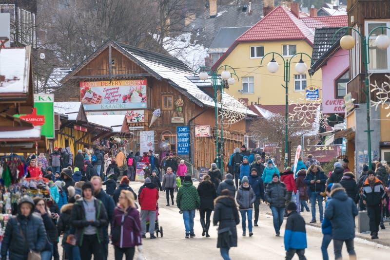 Centro de cidade de Karpacz no meio-dia fotografia de stock