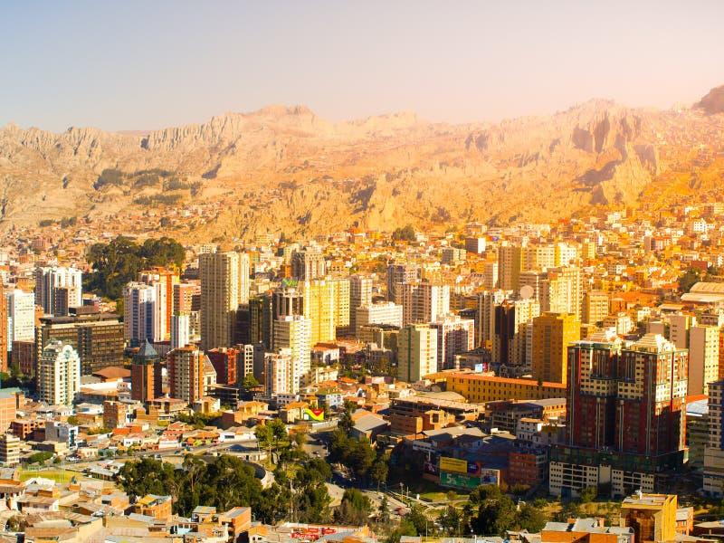 Centro de cidade no dia ensolarado, Bolívia de La Paz, Ámérica do Sul fotos de stock royalty free