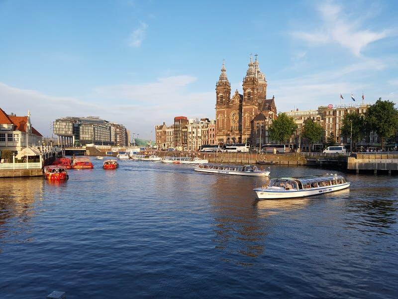 Centro de ciudad de Amsterdam imagenes de archivo