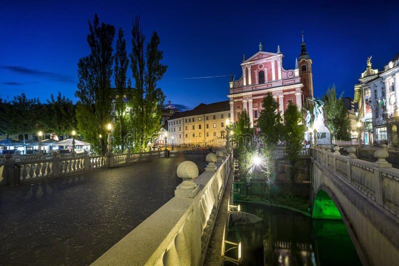 Centro de ciudad de Ljubljana - Tromostovje, Eslovenia foto de archivo libre de regalías