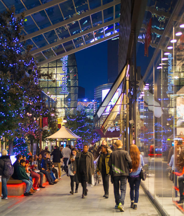 Centro de compra da vila de Stratford, Londres imagens de stock