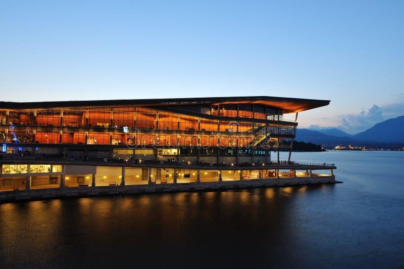 Centro de conferencia de Vancouver en el lugar de Canadá imágenes de archivo libres de regalías