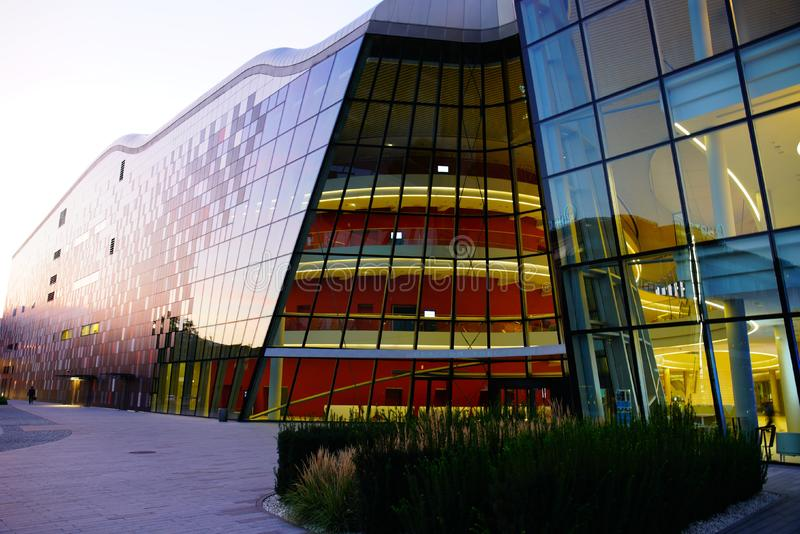 Centro de congresso do GELO em Cracow imagem de stock royalty free