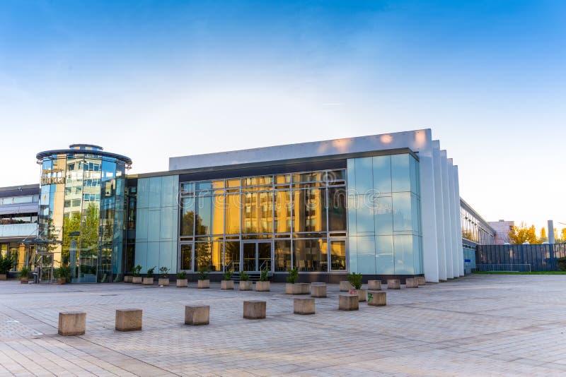 Centro de congresso no lugar de Sarburgo saarland Alemanha para o exhibi imagens de stock