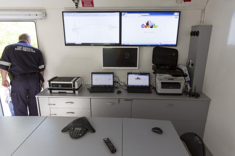 Centro de controle do móbil do departamento dos bombeiros foto de stock