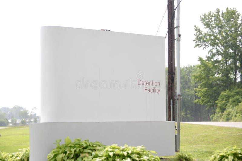 Centro de detenção da prisão e do interno fotografia de stock