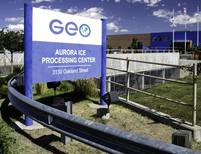 Centro de Detenção de Imigração Operado pelo Grupo GEO em Aurora, Colorado imagem de stock