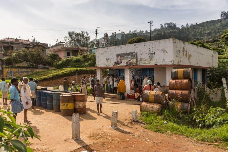 Centro de distribuição alimentar em Kallatty, montes de Nilgiri, Índia imagem de stock royalty free