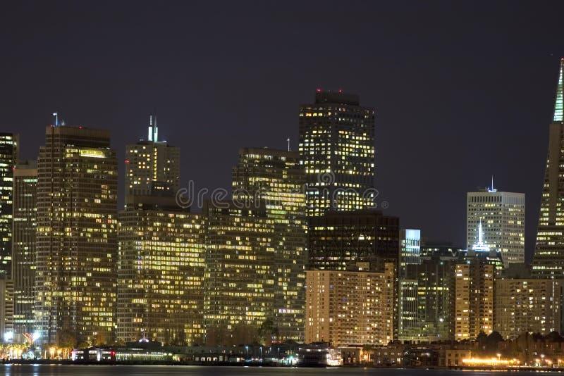 Centro de Embarcadero en la noche foto de archivo libre de regalías