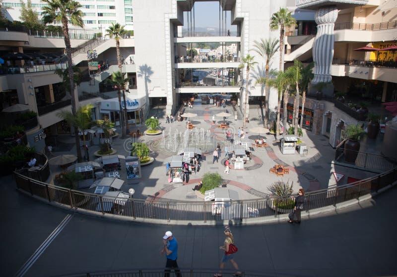 Centro de Hollywood & de montanhas foto de stock royalty free