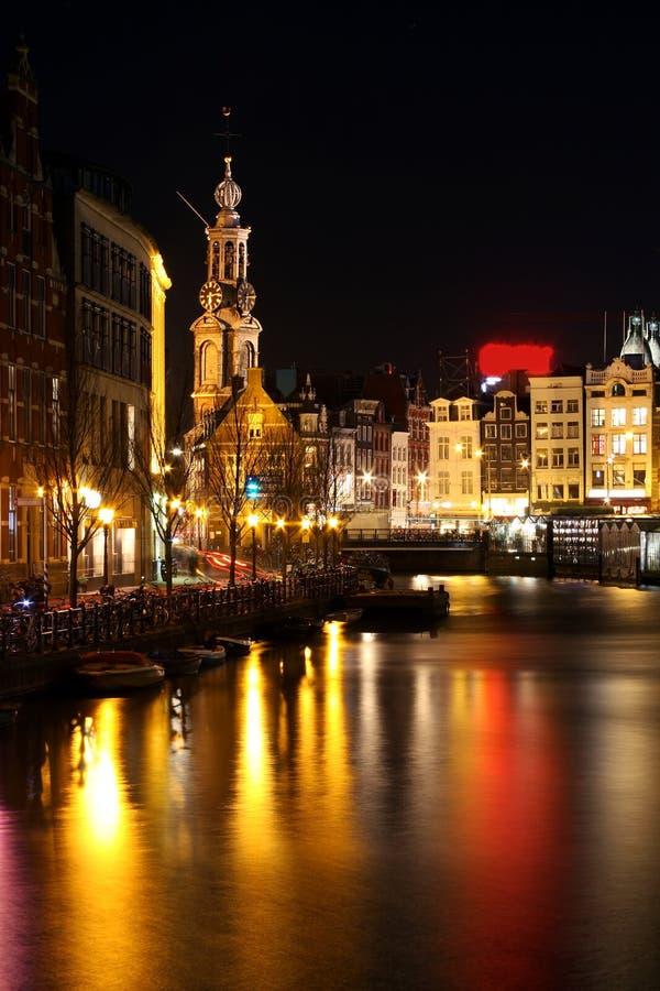 Centro de la ciudad de amsterdam por noche en pa ses bajos for B b ad amsterdam centro