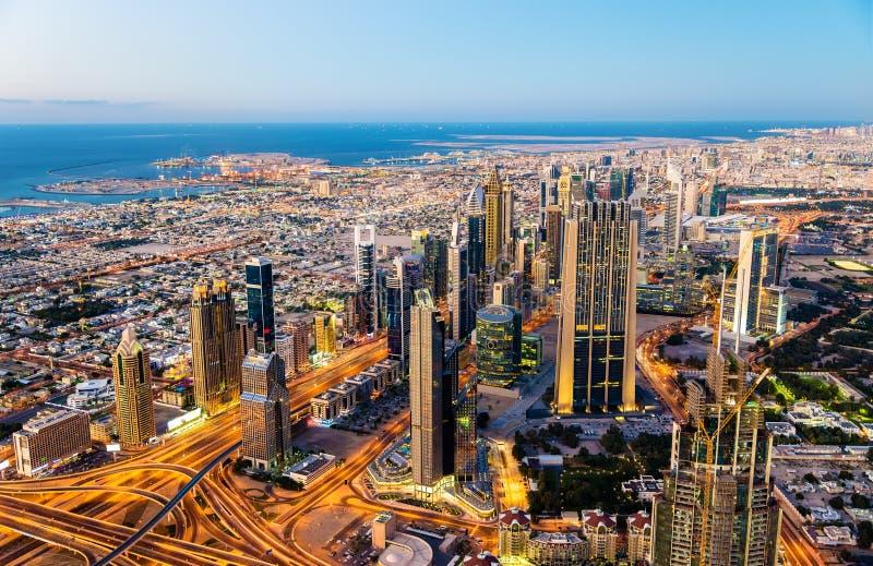 Centro de la ciudad de Dubai según lo visto de Burj Khalifa fotos de archivo libres de regalías