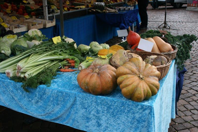 Centro de la ciudad del mercado del mercado de las verduras en Dieburg, Alemania fotos de archivo libres de regalías
