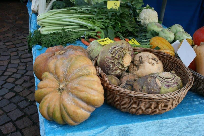 Centro de la ciudad del mercado del mercado de las verduras en Dieburg, Alemania imágenes de archivo libres de regalías