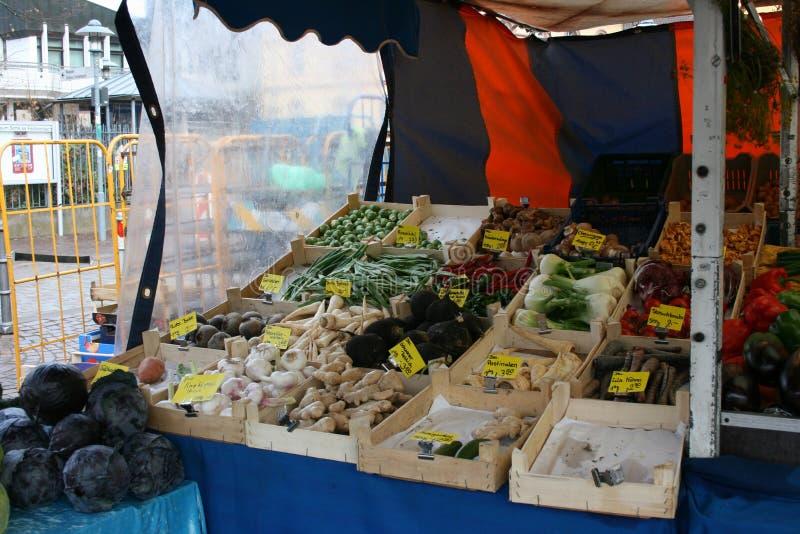 Centro de la ciudad del mercado del mercado de las verduras en Dieburg, Alemania fotografía de archivo libre de regalías