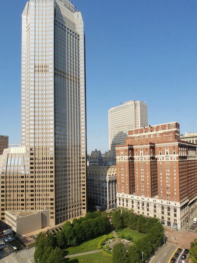 Centro de la ciudad de PA LOS E.E.U.U. de la opinión de Pittsburgh de la ciudad imagenes de archivo