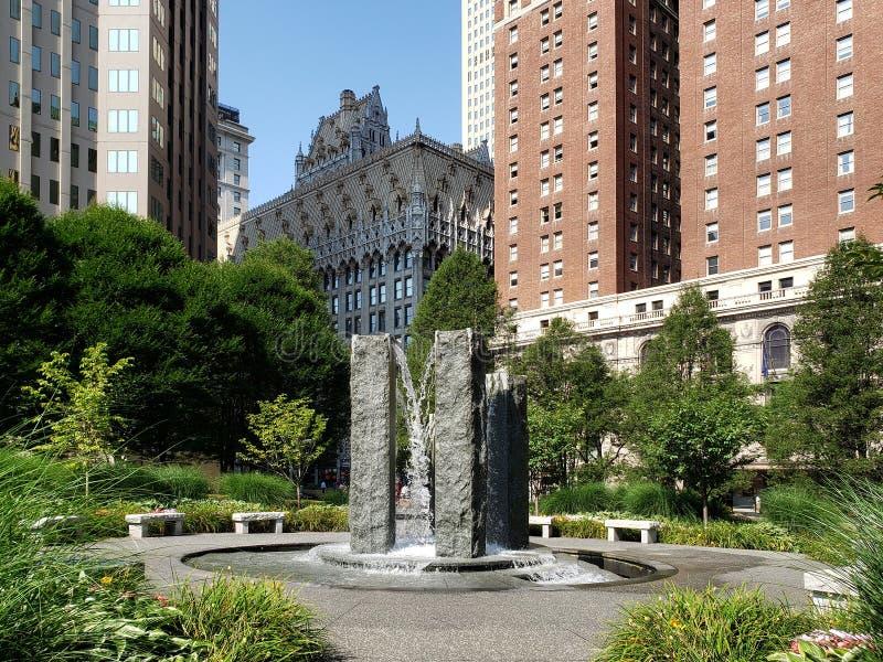 Centro de la ciudad de PA LOS E.E.U.U. de la opinión de Pittsburgh de la ciudad fotos de archivo libres de regalías