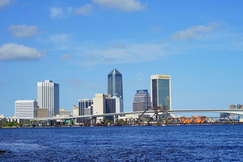 Centro de la ciudad y el río St Johns de Jacksonville fotos de archivo libres de regalías