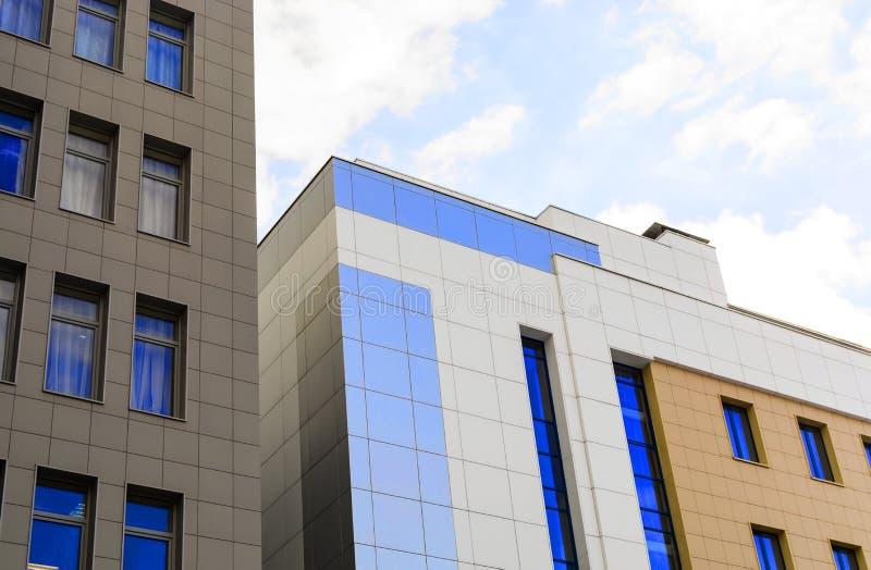 Centro de negócios moderno do sity da construção da arquitetura imagem de stock