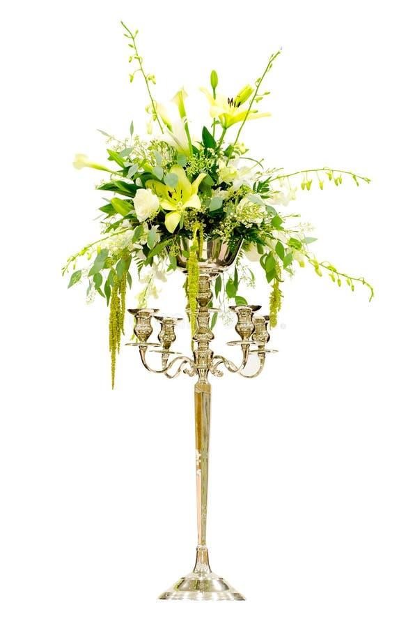 Centro di disposizione di fiore di cerimonia nuziale fotografie stock libere da diritti