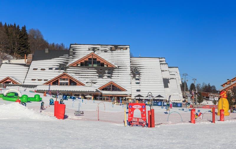 Centro di Olimpic Le Parc Olympic Stazione sciistica di Meribel, Francia fotografia stock