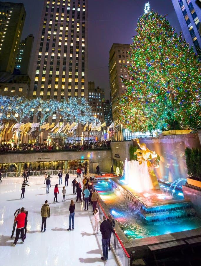 Centro di Rockefeller di pattinaggio su ghiaccio fotografie stock