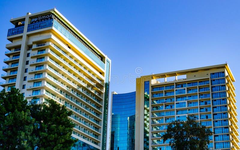 Centro di Soci del pullman dell'hotel e Mercure Hotel di costruzione, Soci immagine stock libera da diritti