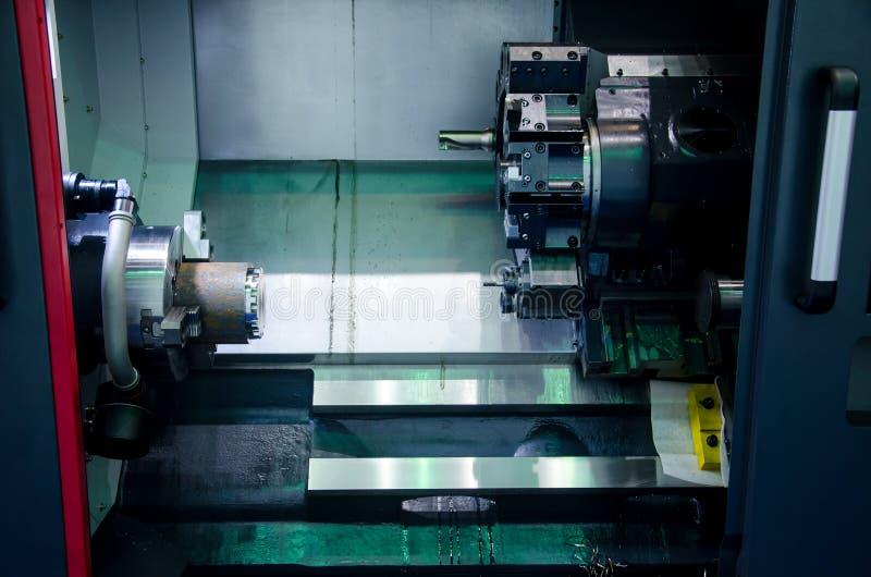Centro di tornitura di CNC fotografie stock libere da diritti