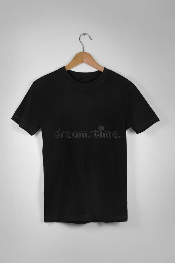 Centro en blanco negro Gray Concrete Empty Wal de la ejecución de la camiseta de algodón imagen de archivo