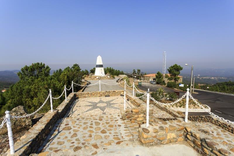 "Centro geodésico del †de Vila de Rei ""de Portugal imagenes de archivo"