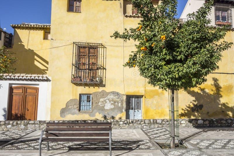 Centro histórico das casas coloridas e típicas de Granada, Espanha fotos de stock royalty free